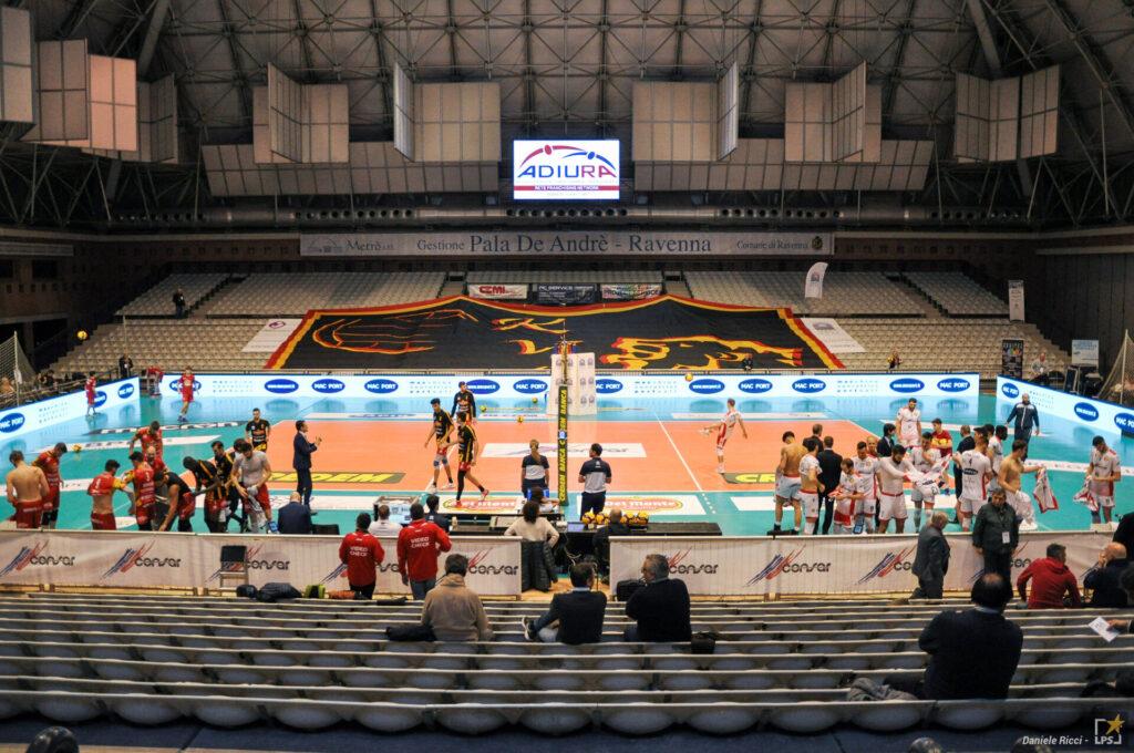 Volley: Superlega travolta dal CoVid