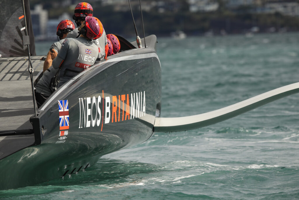 INEOS Team UK finalista Prada Cup